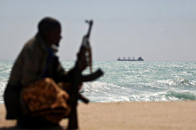 В Гвинейском заливе пиратами похищен украинский моряк