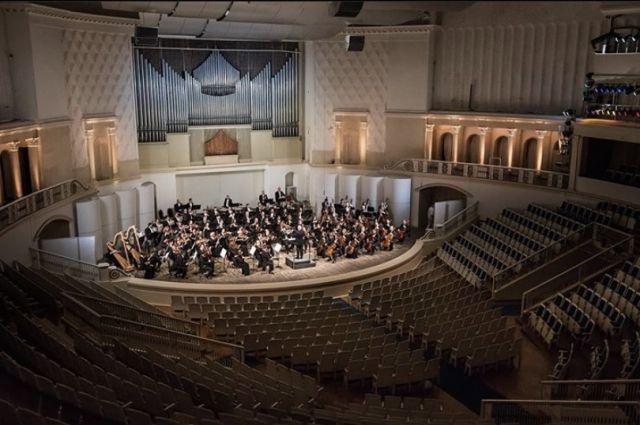 Сургутская филармония совместно с администрацией города запустила онлайн-трансляции концертов в своих группах
