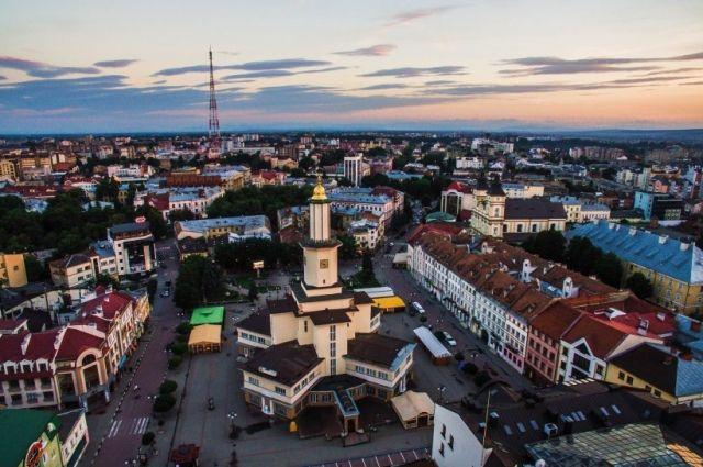 Мэр Ивано-Франковска приказал вывезти из города ромов