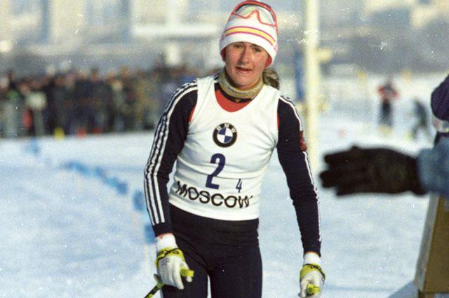 Вяльбе занесена в Книгу рекордов Гиннесса как лучшая лыжница XX века. На фото – этап Кубка мира по лыжному спорту, 1990 г.