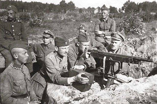 Польские окопы под Милосной, август 1920 г.