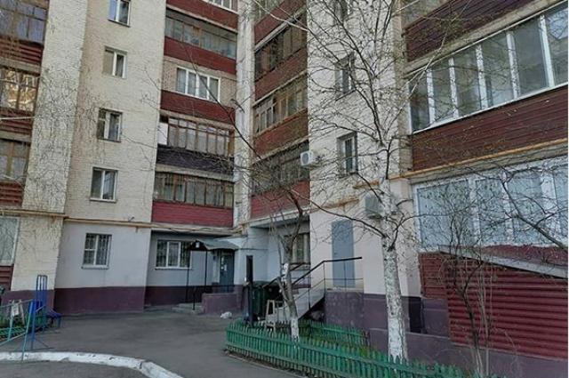 В Оренбурге с карантина сняли один поезд в доме на ул. Восточной.