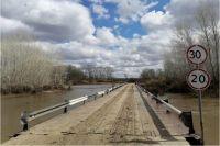 В Кваркенском районе открыто движение по мосту через реку Урал.