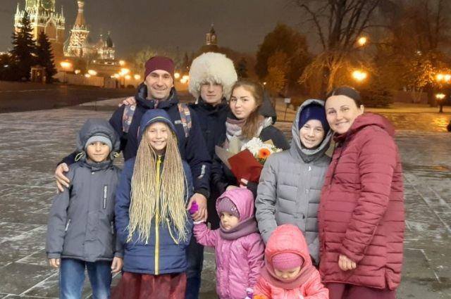 Победители всероссийского этапа конкурса в прошлом году - семья Барсуковых из Красноярска.