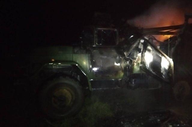 Во Львовской области мужчина сгорел в военном грузовике: подробности