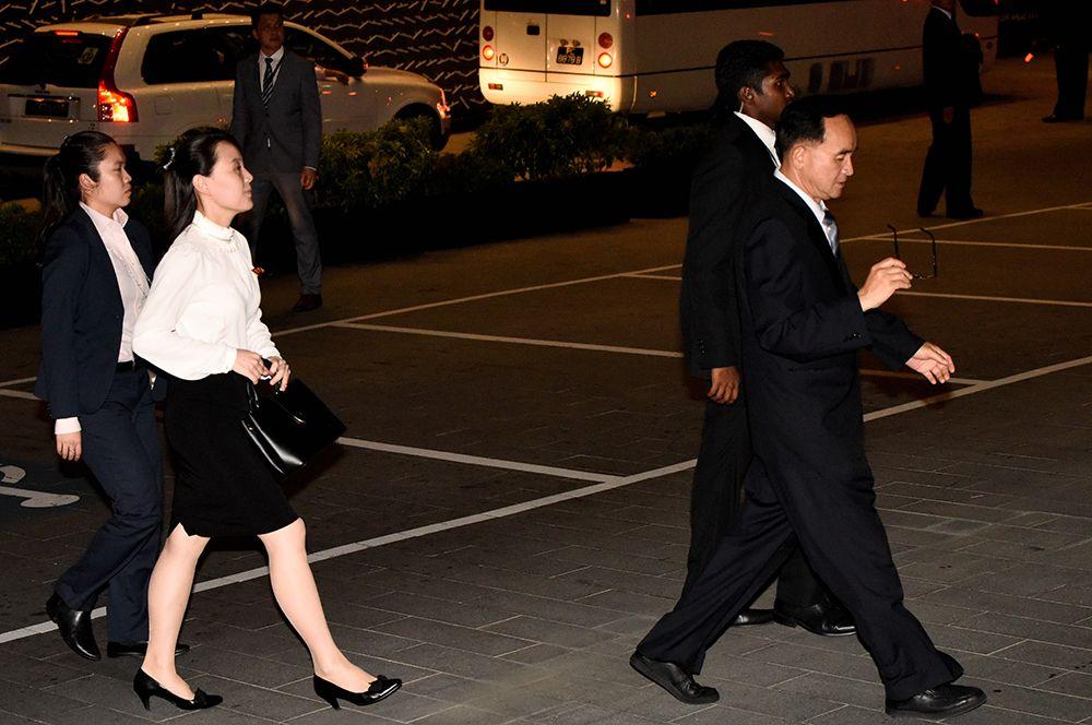 Ким Е Чжон прибывает в Сингапур на саммит.