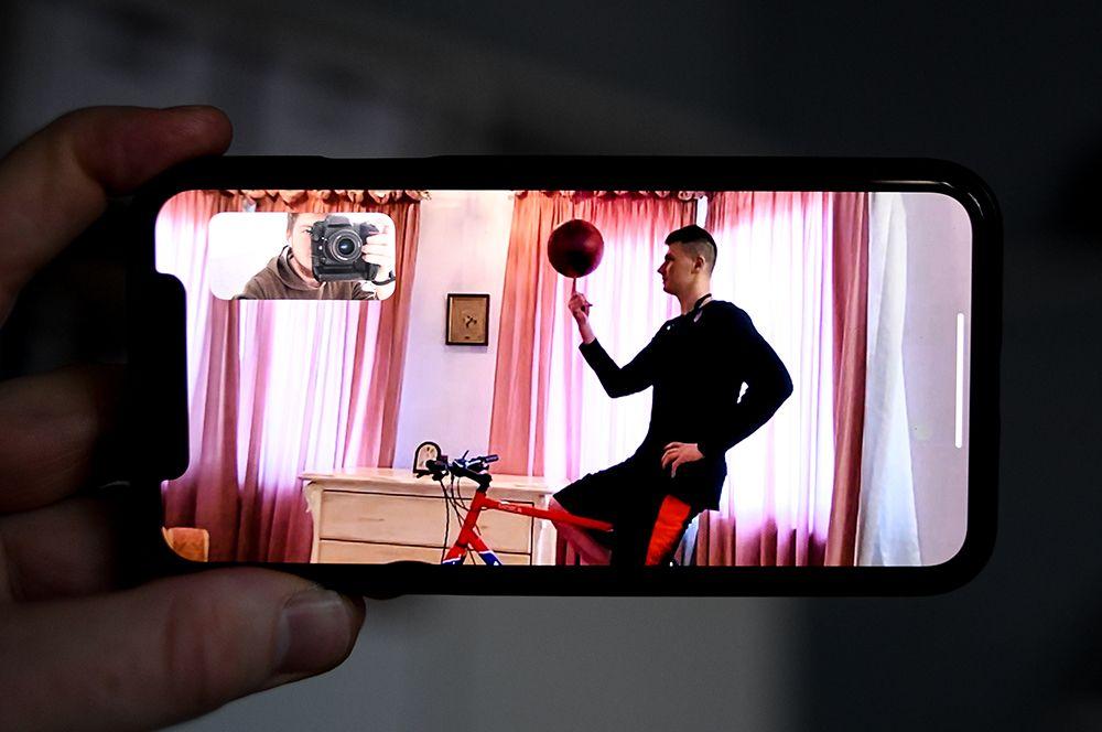 Форвард московского ЦСКА Андрей Воронцевич у себя дома в Москве.