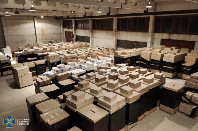 СБУ обнаружила склад с контрафактными сигаретами на почти 100 млн гривен