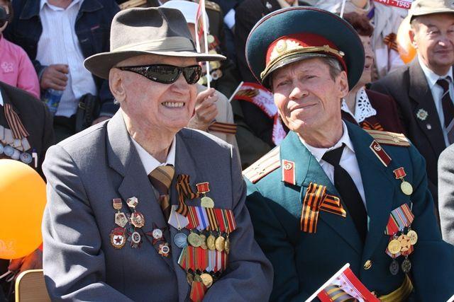 Несмотря на то что парад, посвящённый Дню Победы, состоится позднее, ветераны получат выплаты и поздравления вовремя.