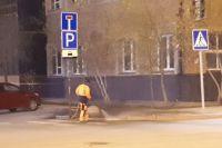Дорожники и коммунальщики Салехарда начали уборку улиц после зимы
