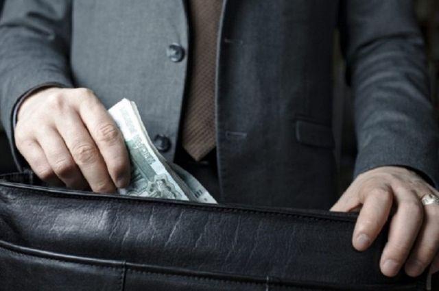 В Оренбуржье задержали иностранца за дачу взятки полицейскому