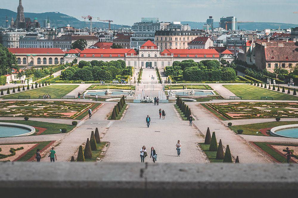 Вена, Австрия. Большое количество парков и зон отдыха сделало австрийскую столицу лидером рейтинга. Эксперты также считают ее систему общественного транспорта ориентиром для других городов.