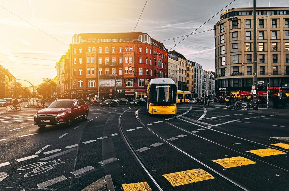 Берлин, Германия. Большое количество общественных пространств и парков делают Берлин идеальным городом для прогулок. Кроме того, здесь минимальное потребление воды на душу населения в Европе, а жители предпочитают пользоваться общественным транспортом.
