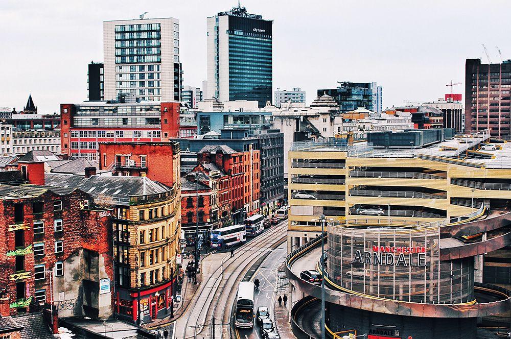 Манчестер, Великобритания. Составители рейтинга отмечают красоту городского пейзажа, в котором сочетаются история и искусство, а также множество вариантов мест для еды и развлечений.