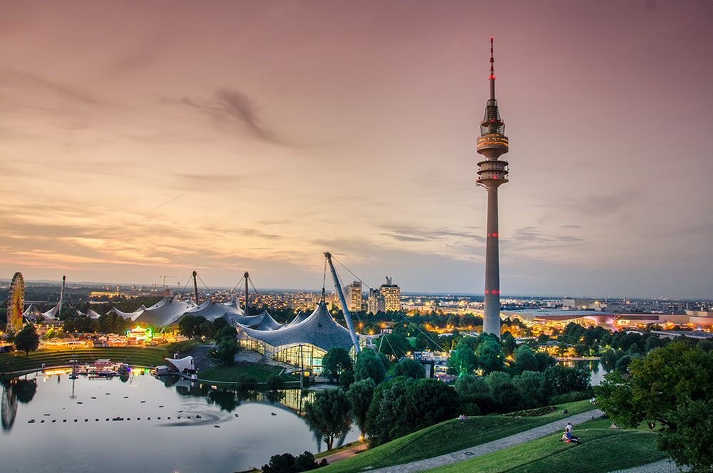 Мюнхен, Германия. Система скоростного транспорта U-Bahn обеспечивает сокращение количества личных автомобилей и чистый воздух в городе.