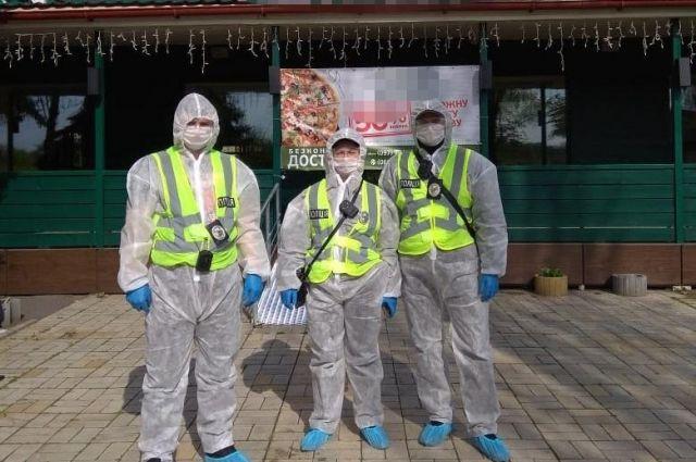 В Киеве полиция выявила два ресторана, которые работали во время карантина