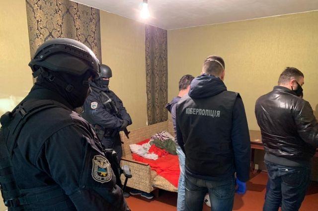 В Днепропетровской области мошенники «продали» маски на 3,5 млн гривен