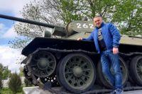 Магомед Дарсигов взял шефство над танком на пл. Химиков
