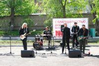 Так музыканты решили поддержать медиков и пациентов с коронавирусом.