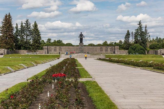 Как празднуют День Победы в Санкт-Петербурге 9 мая 2020 года ...   425x640