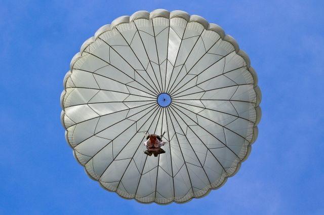 Тюменские парашютисты начали подготовку к летним соревнованиям
