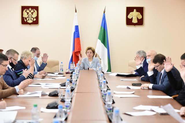 Надежда Дорофеева занимает должность председателя Госсовета Коми с сентября 2015 г.