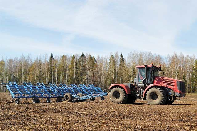 В Викуловском районе сельскохозяйственные предприятия обновляют технопарк