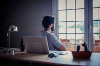 Не каждому под силу концентрироваться на работе в домашних условиях.