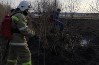 Больше 60 возгораний сухой травы ликвидировали в городе с 10 апреля.