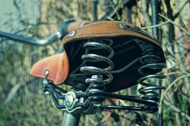Тюменка на велосипеде чуть не утонула в канаве