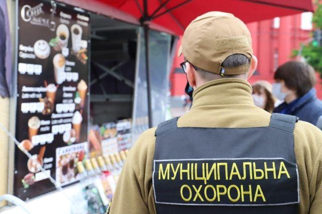 В столице проводят рейды по соблюдению карантинных мер в МАФах и на рынках