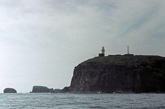 Курильские острова. Остров Шикотан. Мыс Край Света.