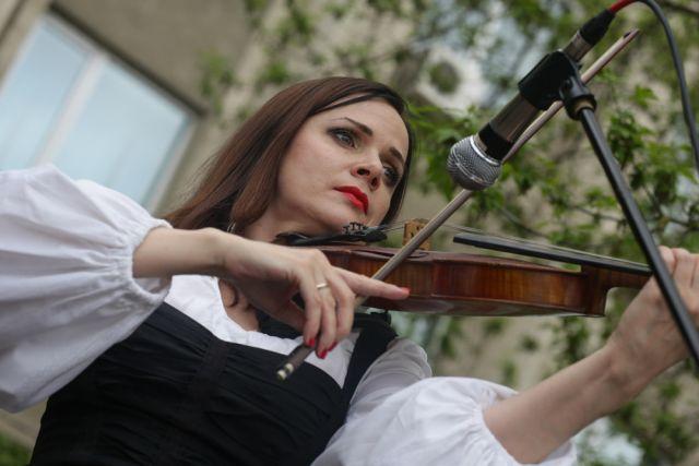 В День победы во дворах города пройдут концерты.