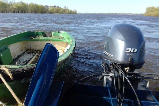 В Удмуртии подростков на лодке унесло течением