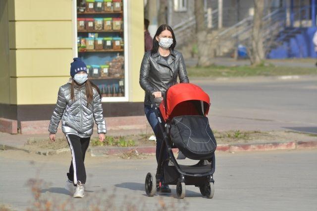 Более половины оренбуржцев с covid-19 лечатся дома.