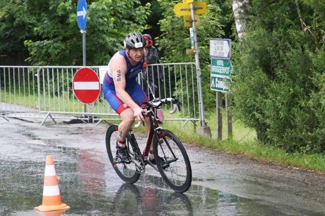 Бегом Михаил Колмаков занимался еще в военном училище, а велосипед и плавание пришлось подтягивать.