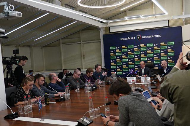 Руководство РПЛ приняло решение о приостановке турнира из-за эпидемии коронавируса.