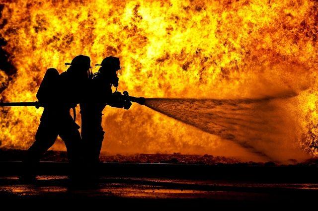 На Товарном шоссе в Тюмени при пожаре погиб человек