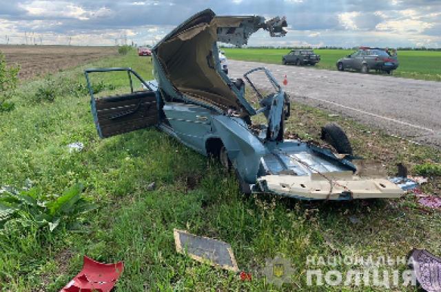 В Херсонской области произошло ДТП: водитель легковушки погиб на месте