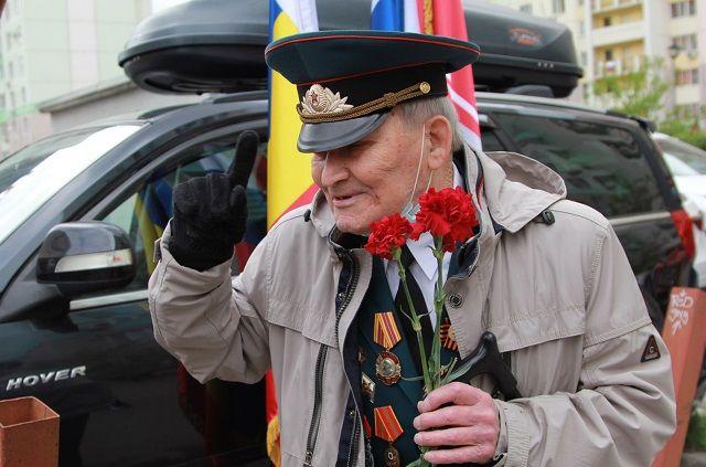 В преддверии 9 мая ветераны получают много внимания, но часто после праздника о них забывают, особенно в небольших сёлах.