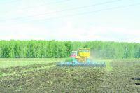 Владимир Чейметов: высокие темпы посевной являются залогом большого урожая