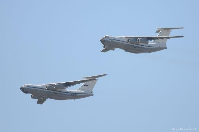 В День Победы над Оренбургом пролетело звено из трех грузовых военных самолетов Ил-6.