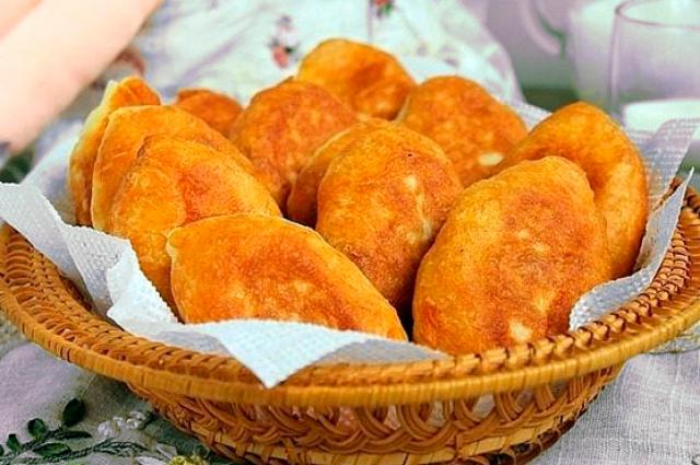 Пирожки на сковородке: как за 15 минут вкусно и сытно накормить семью