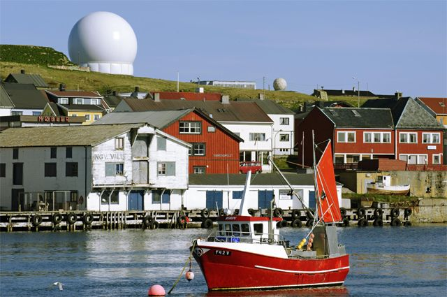 Радар Globus II в городе Вардё.