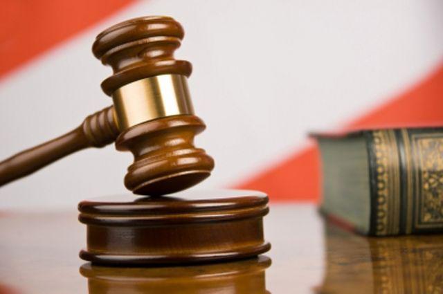 Экс-подозреваемый в двойном убийстве судится за компенсацию.