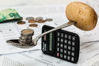 Правильное распределение финансов помогает избежать долгов.