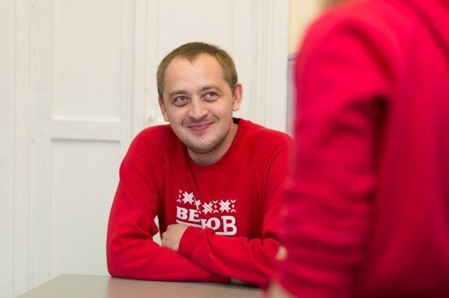 Учредитель фонда «Дедморозим» Дмитрий Жебелев считает, что сейчас на- до как никогда понимать, насколько мы все друг от друга зависим.