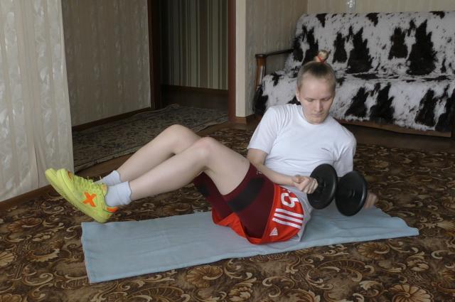 Игрок МФК «Лагуна-УОР» Ирина Родькина не прекращает подготовку в условиях самоизоляции. Чемпионат России по мини-футболу лишь приостановлен, но не отменяется.