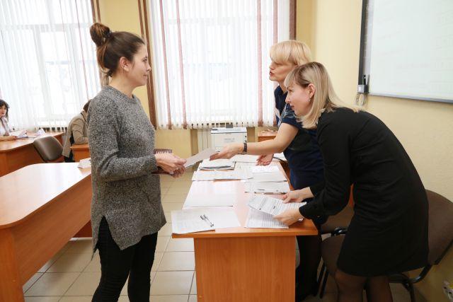 Оренбургские школьники сдавать экзамены будут в своих школах.