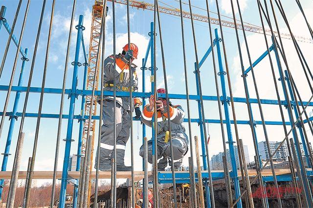 У десяти рабочих, занятых на строительстве нового медцентра, выявили коронавирус.